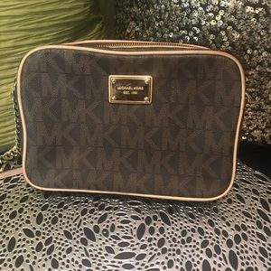 Michael Michael Kors crossbody purse